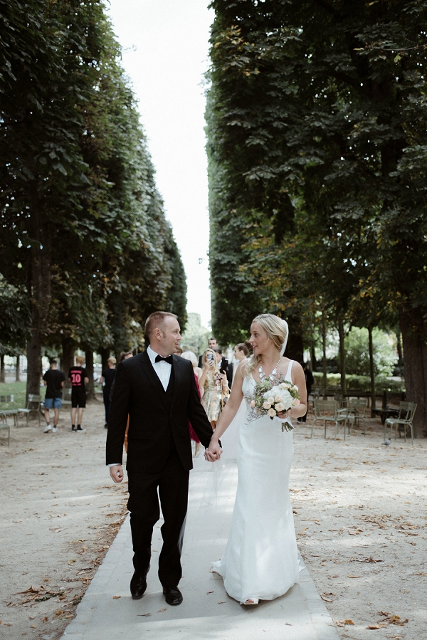 outdoor paris elopement