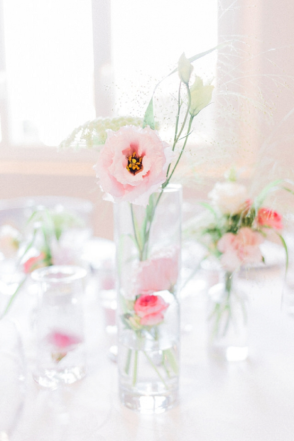simple yet effective wedding flowers
