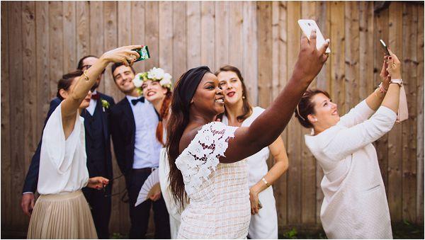 white wedding guest outfits | Image by Ricardo Vieira