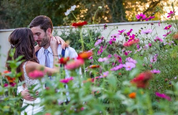wild flower wedding photo idea