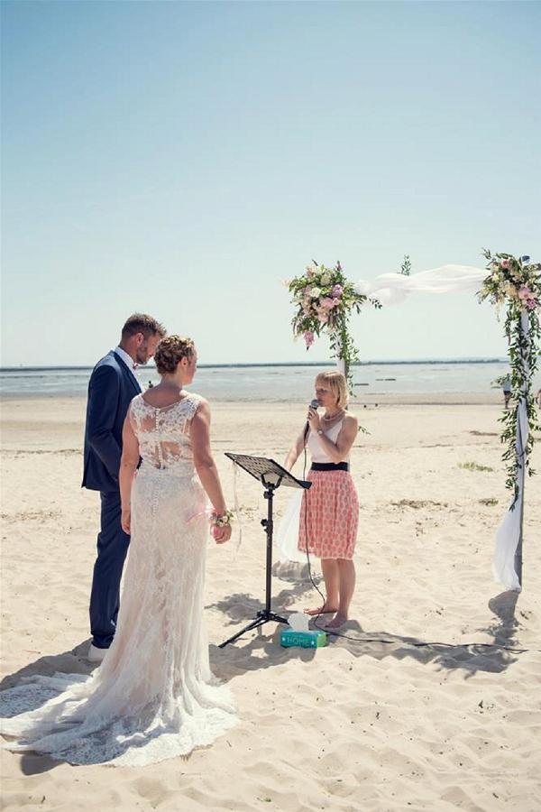 beach ceremony ideas