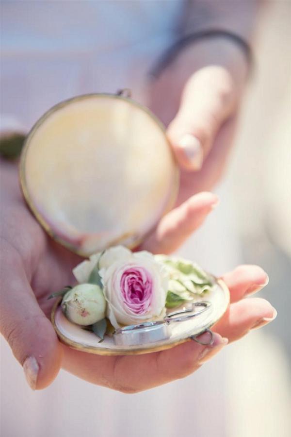 beautiful rose wedding ring holder