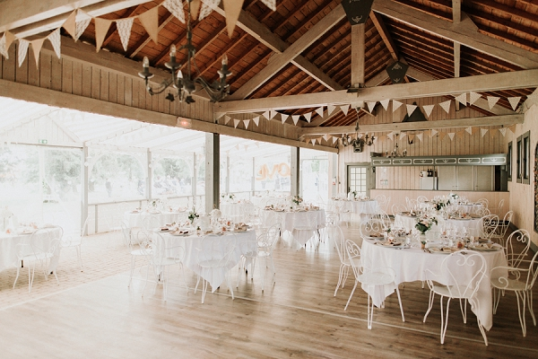 rustic and simple wedding decor
