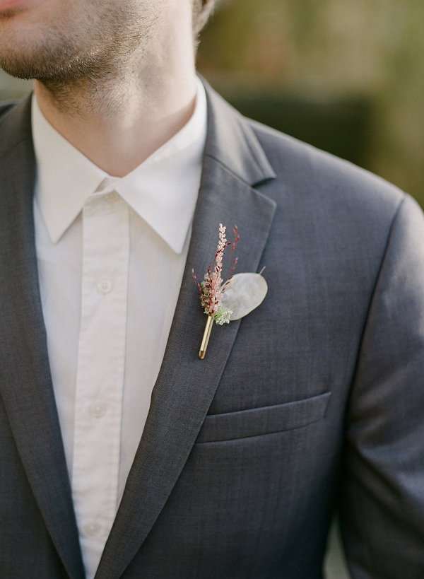 simple wedding boutonniere