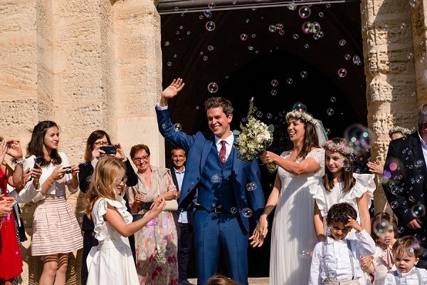 Bubble wedding confetti