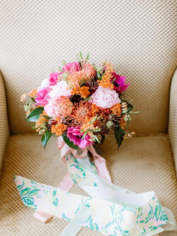 ribbon wedding bouquet