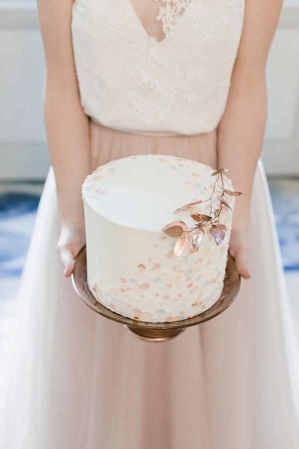 rose gold inspired wedding cake