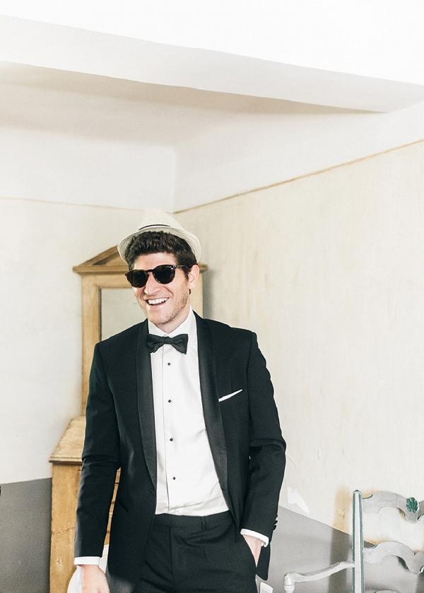 Black tie groom Provence
