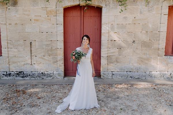 Château Mouchac bridal portrait