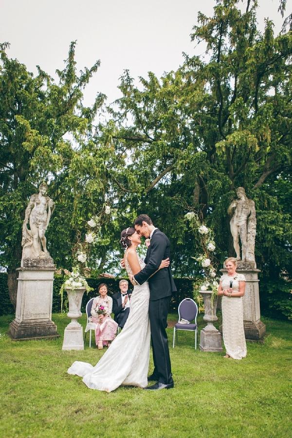 Chateau de Bagnols outdoor wedding ceremony