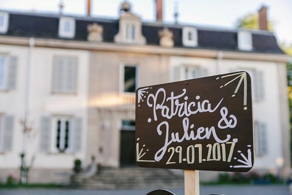 DIY wedding sign