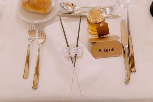 Personalise honey pot wedding favours