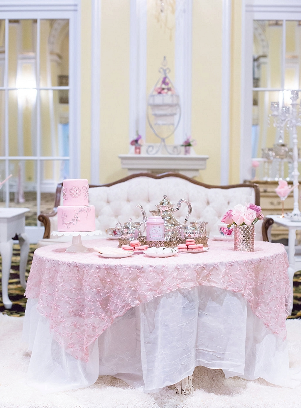 Pink inspired desseert table