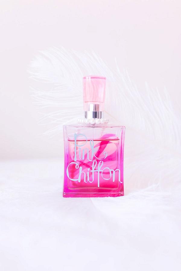 Pink wedding perfume