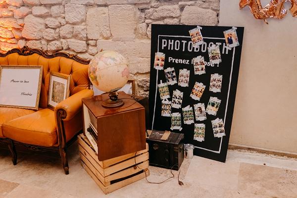 rustic wedding photobooth