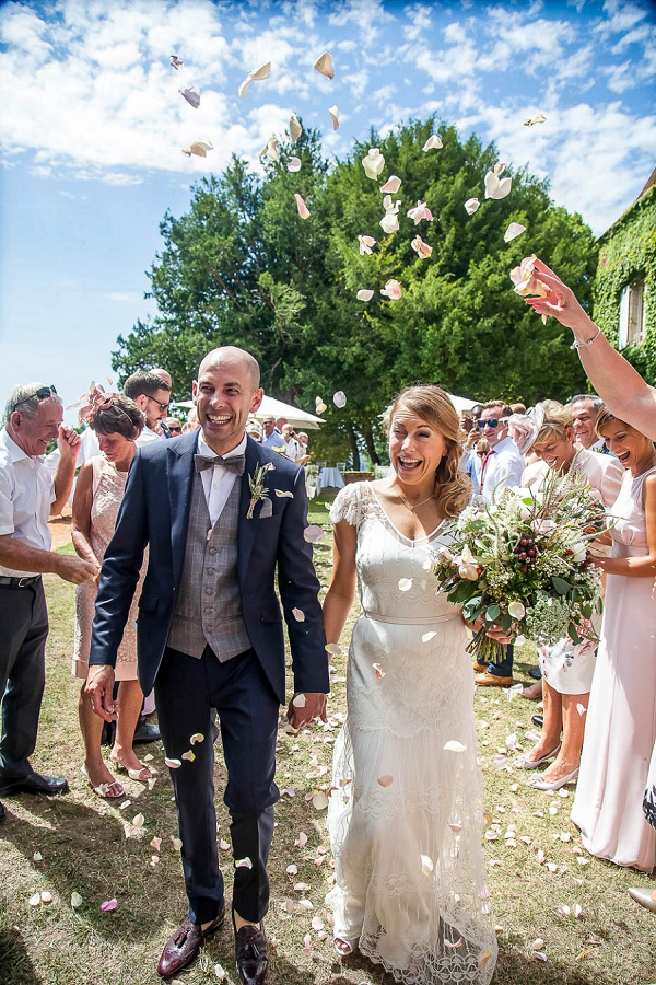 Dordogne wedding confetti line