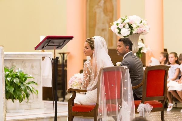 delicate wedding veil