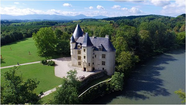 fairytale french wedding castle in France
