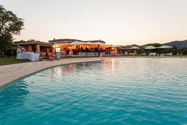 pool side wedding