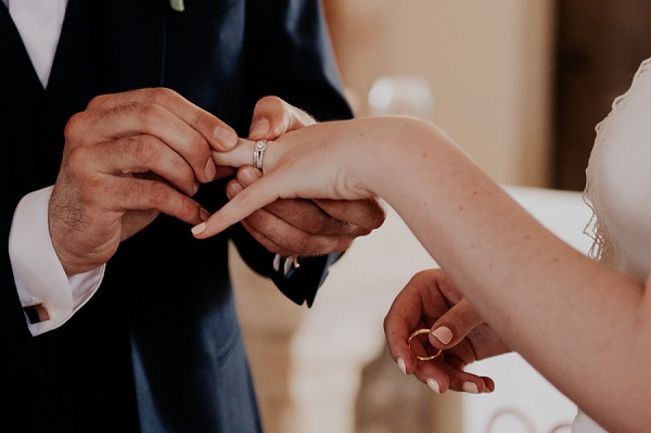 Chateau D'Aveny wedding ceremony