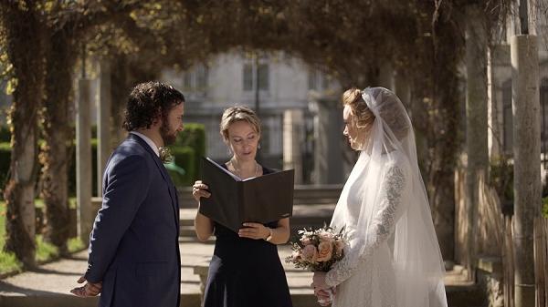 outdoor paris wedding ceremony