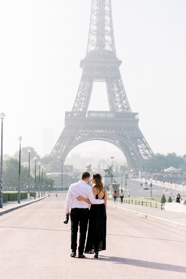 romantic stroll around paris