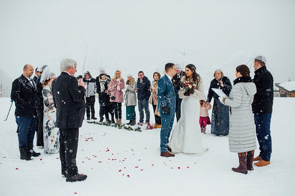 winter wedding confetti