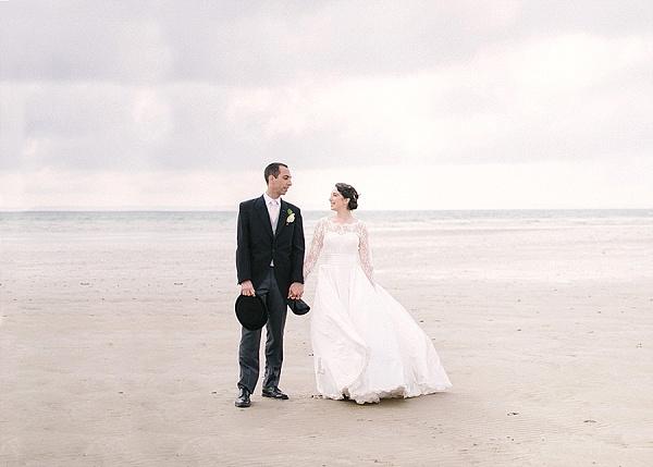 Elegant spring wedding on french seashore