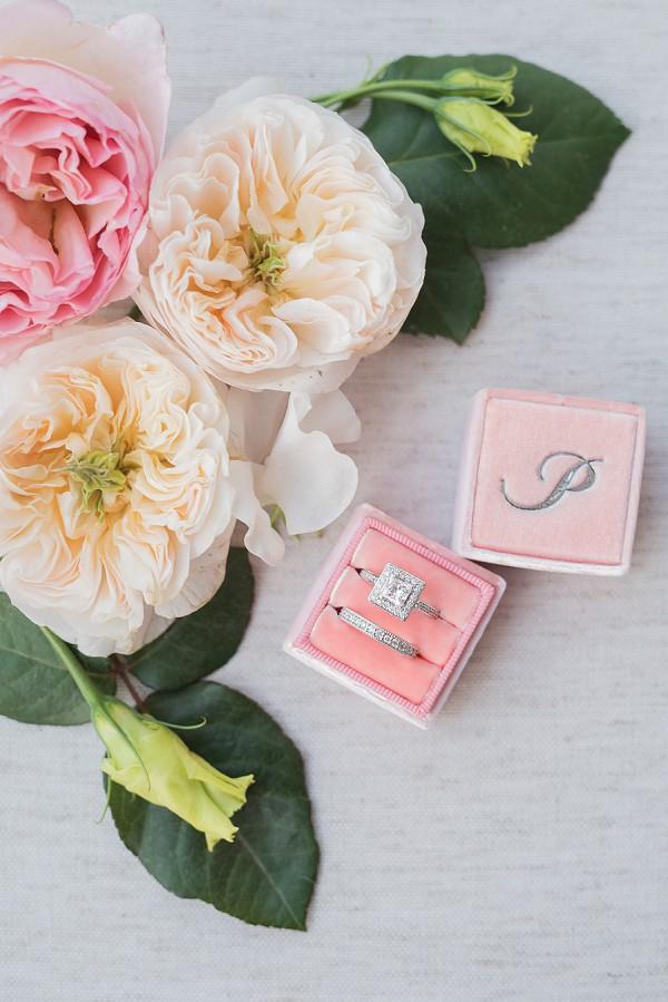 Linardi's Jewlers wedding rings