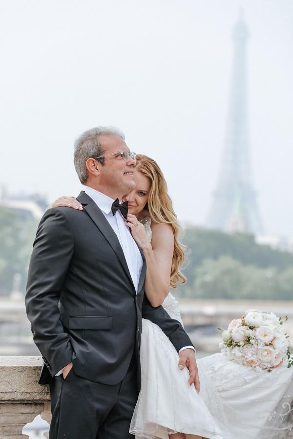 bride and groom paris