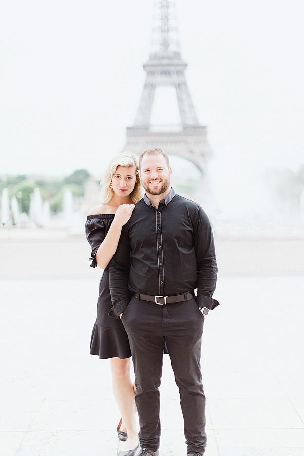 eiffel tower couple shoot