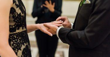 Intimate Paris wedding ceremony