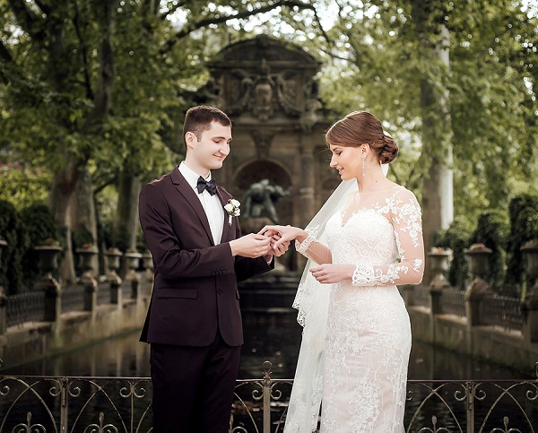 Luxembourg Gardens intimate ceremony
