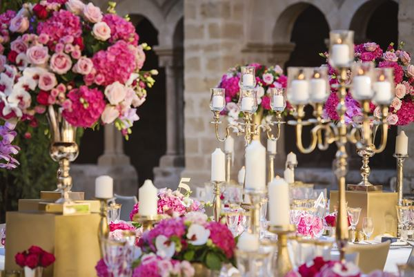 20 Questions to Ask your Wedding Venue, Image of Paula Rooney floral design