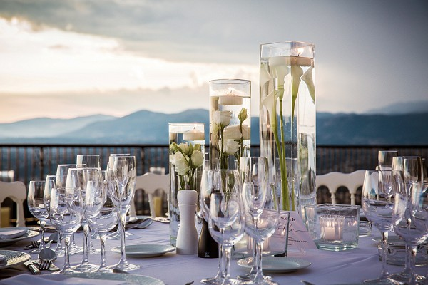Transparent wedding centerpiece