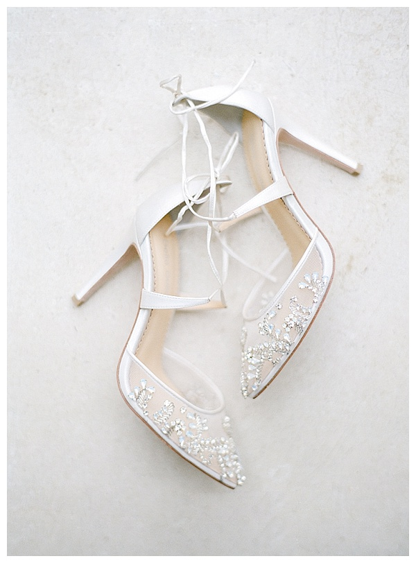 elegant pointed wedding shoes