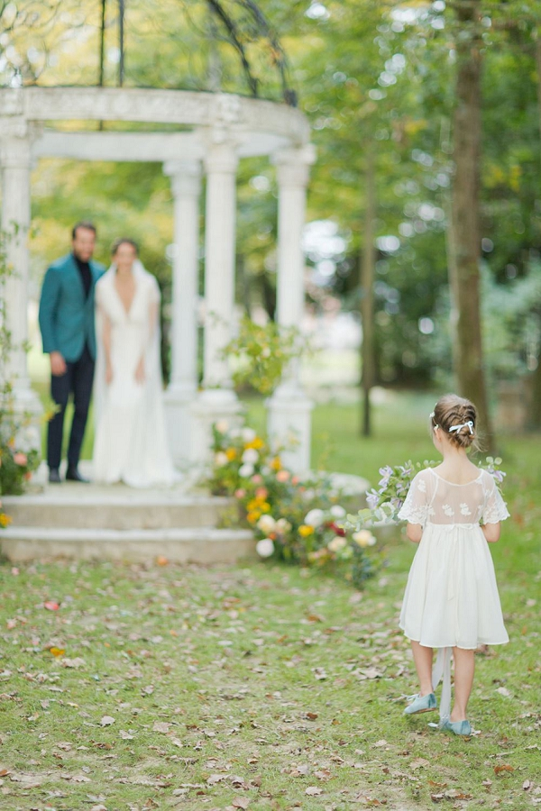 flower girl french wedding