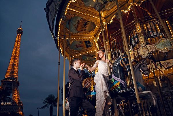 paris carousel wedding photo