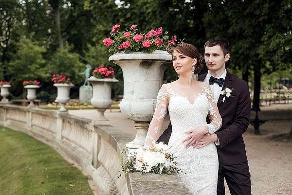 paris gardens wedding photo