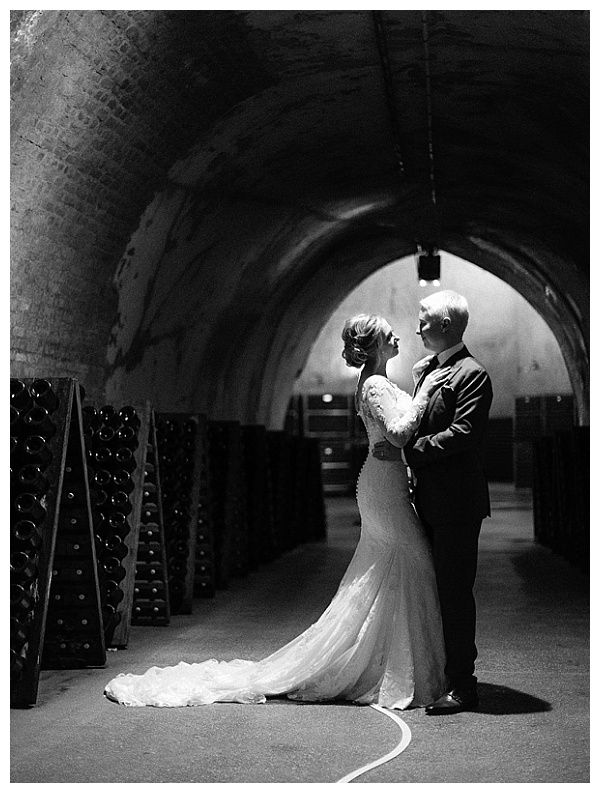 romantic photoshoot in a tunnel