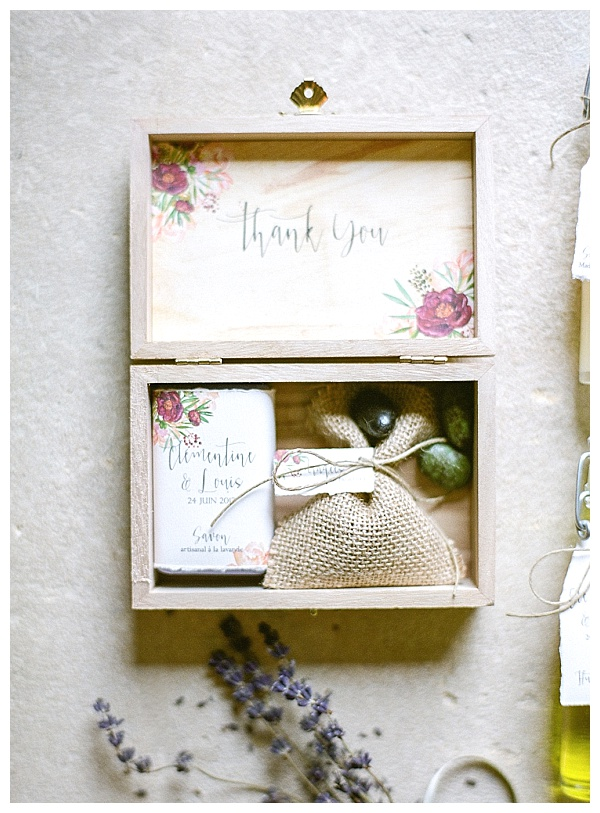 wedding guests soap favor box