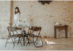 beatiful wedding table design and long white dress