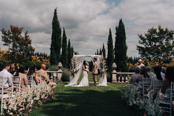 luxury wedding flowers aisle runners