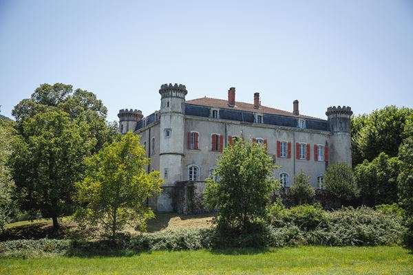 Chateau du Bijou Wedding Venue in the Rhone Valley