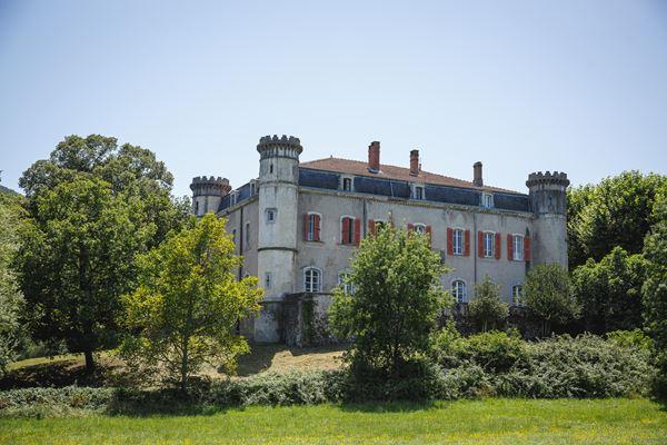 Chateau du Bijou Wedding Venue in the Rhone Valley