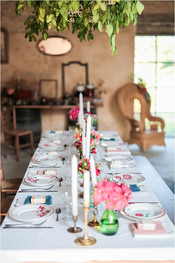 Dare to be Different wedding inspiration in France Table setting