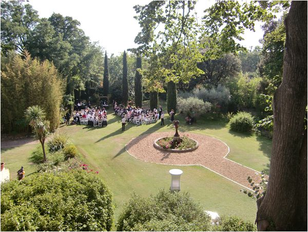 Wedding venue with large grounds France Chateau Rieutort