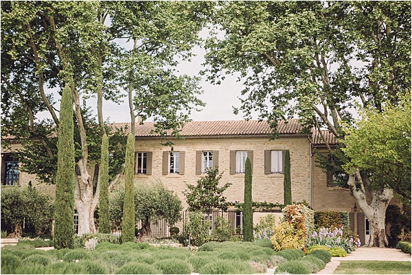 wedding in Provencal Beauty - Rolling Vineyards on French Wedding Style