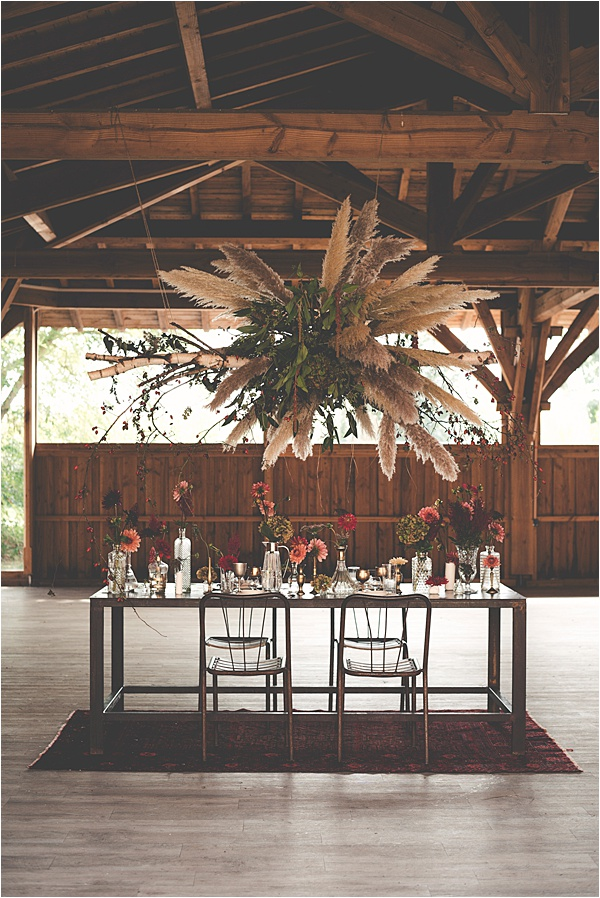 Great Metal Table for 2019 Wedding Trends
