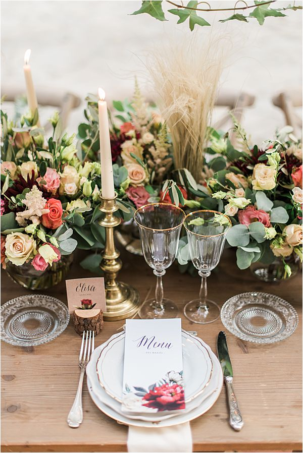 beauriful table setting at paradise of birds wedding on French Riviera